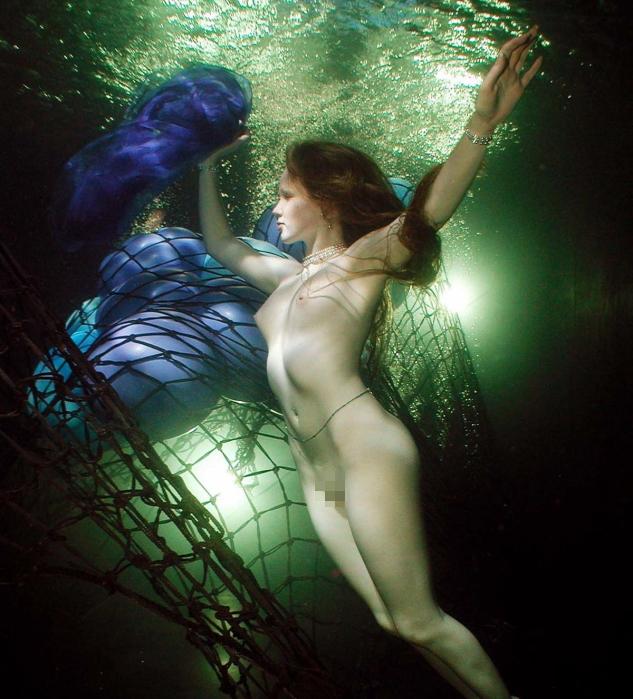 芸術的!水中ヌードのエロ画像30枚・19枚目の画像