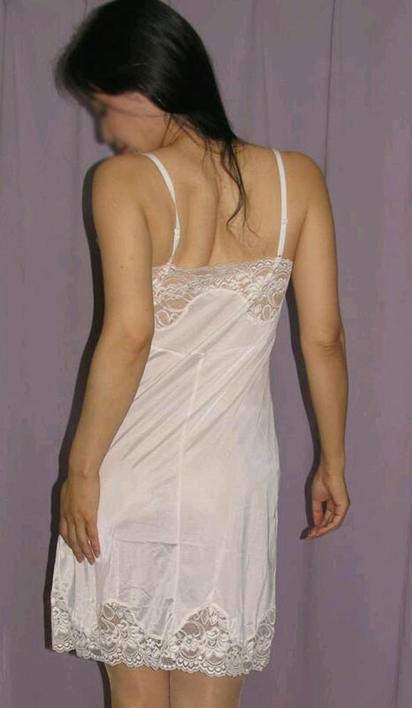 熟女限定!白下着姿のリベンジポルノエロ画像21枚・26枚目の画像