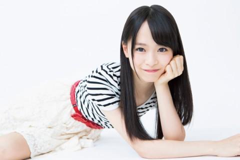 AKB48・倉野尾成美(16)のセーラー服グラビアエロ画像25枚・20枚目の画像
