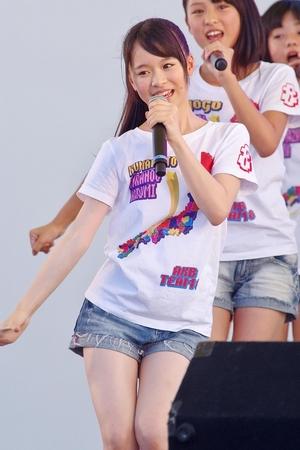 AKB48・倉野尾成美(16)のセーラー服グラビアエロ画像25枚・21枚目の画像