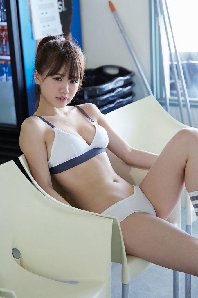 元HKT48・菅本裕子(22)のFカップが抜けるグラビアエロ画像30枚・22枚目の画像