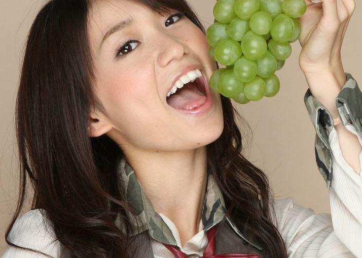 チンポ頬張るの大好き大島優子(28)のフェラ顔エロ画像50枚・22枚目の画像