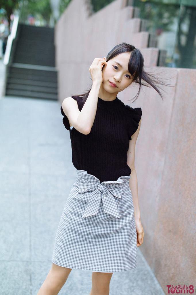 AKB48・倉野尾成美(16)のセーラー服グラビアエロ画像25枚・23枚目の画像