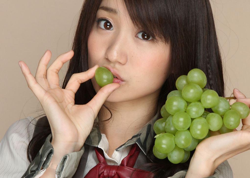 チンポ頬張るの大好き大島優子(28)のフェラ顔エロ画像50枚・23枚目の画像