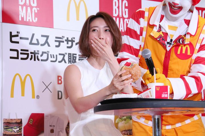 チンポ頬張るの大好き大島優子(28)のフェラ顔エロ画像50枚・25枚目の画像