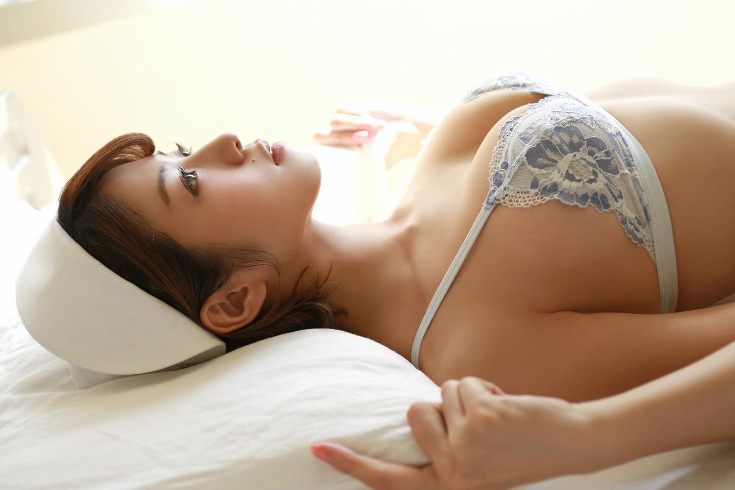 中村静香(29)のFカップグラビア等!抜けるエロ画像110枚・92枚目の画像