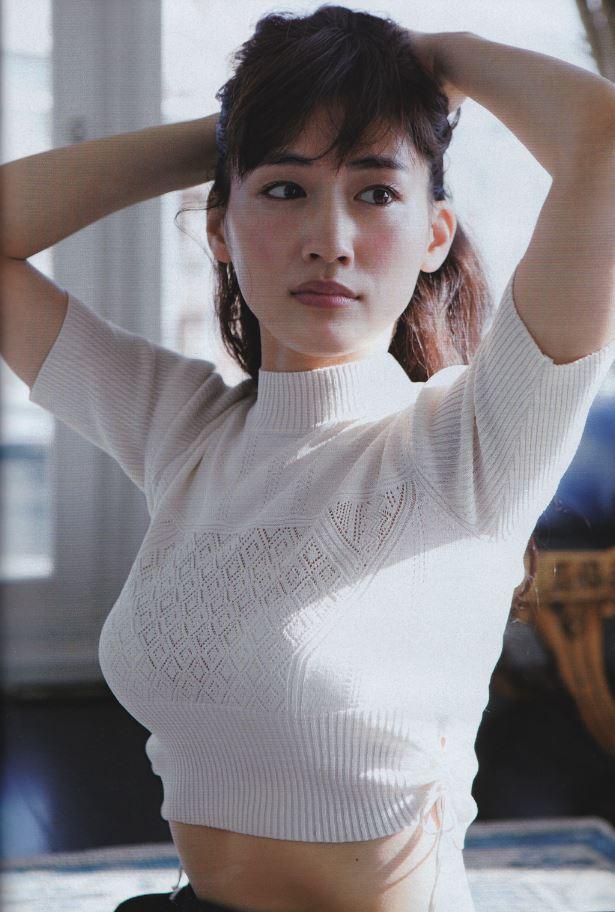 【速報】綾瀬はるかの全裸ヌード入浴してる最新CMエロ画像40枚・19枚目の画像