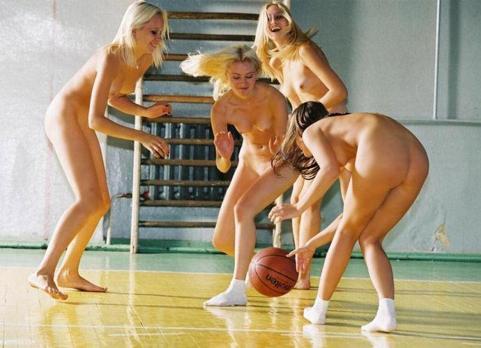 全裸スポーツをする露出大好き外国人のエロ画像25枚