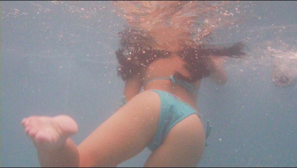 プリ尻祭☆水中カメラで撮ったシロウト小娘の秘密撮影えろ写真30枚