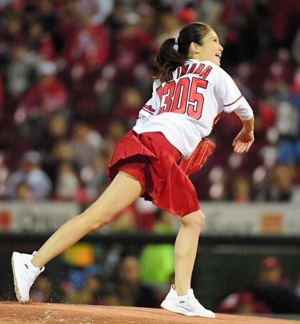 今田美桜(20)の水着グラビア&始球式パンチラエロ画像73枚・43枚目の画像