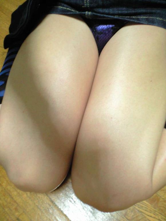 膝枕されたい…!ミニスカ娘の正座パンチラエロ画像30枚・4枚目の画像