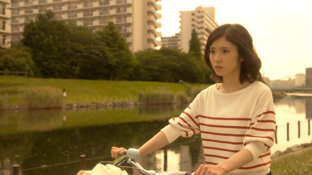 松岡茉優(22)の抜ける入浴エロキャプ画像80枚!水着グラビアが待ち遠しい!・5枚目の画像