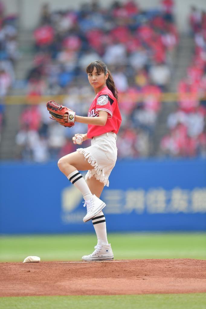 ビリギャル石川恋(23)最新始球式や抜けるエロ画像50枚・7枚目の画像