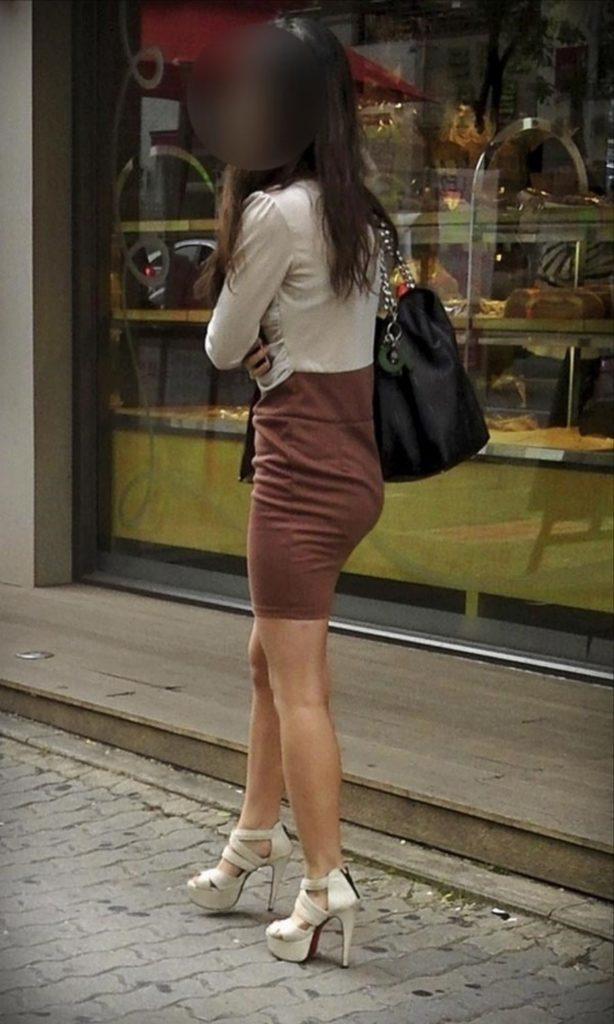 韓国素人娘の美脚がたまらん街撮り盗撮エロ画像30枚・11枚目の画像