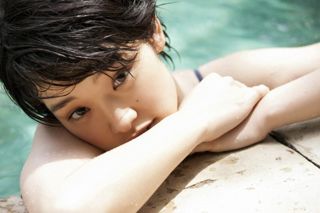 剛力彩芽(24)の美尻グラビア&TVハプニング厳選エロ画像94枚・12枚目の画像