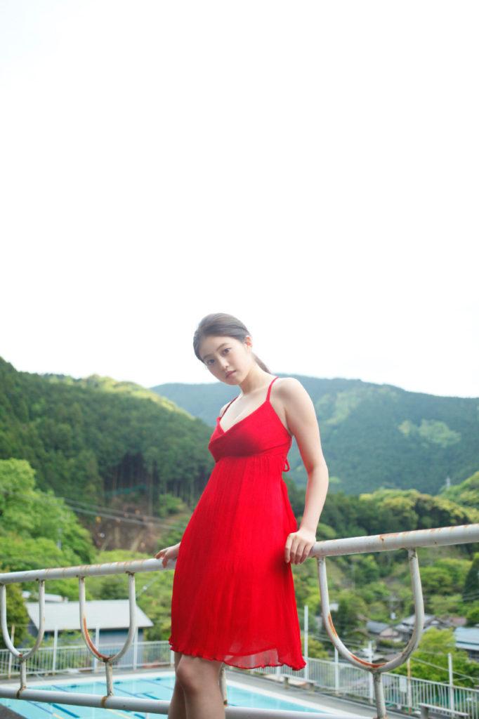 今田美桜(20)の水着グラビア&始球式パンチラエロ画像73枚・16枚目の画像