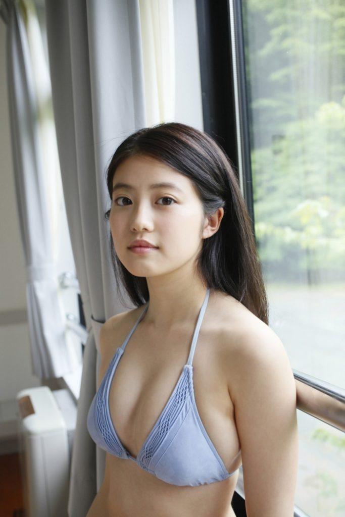 今田美桜(20)の水着グラビア&始球式パンチラエロ画像73枚・18枚目の画像
