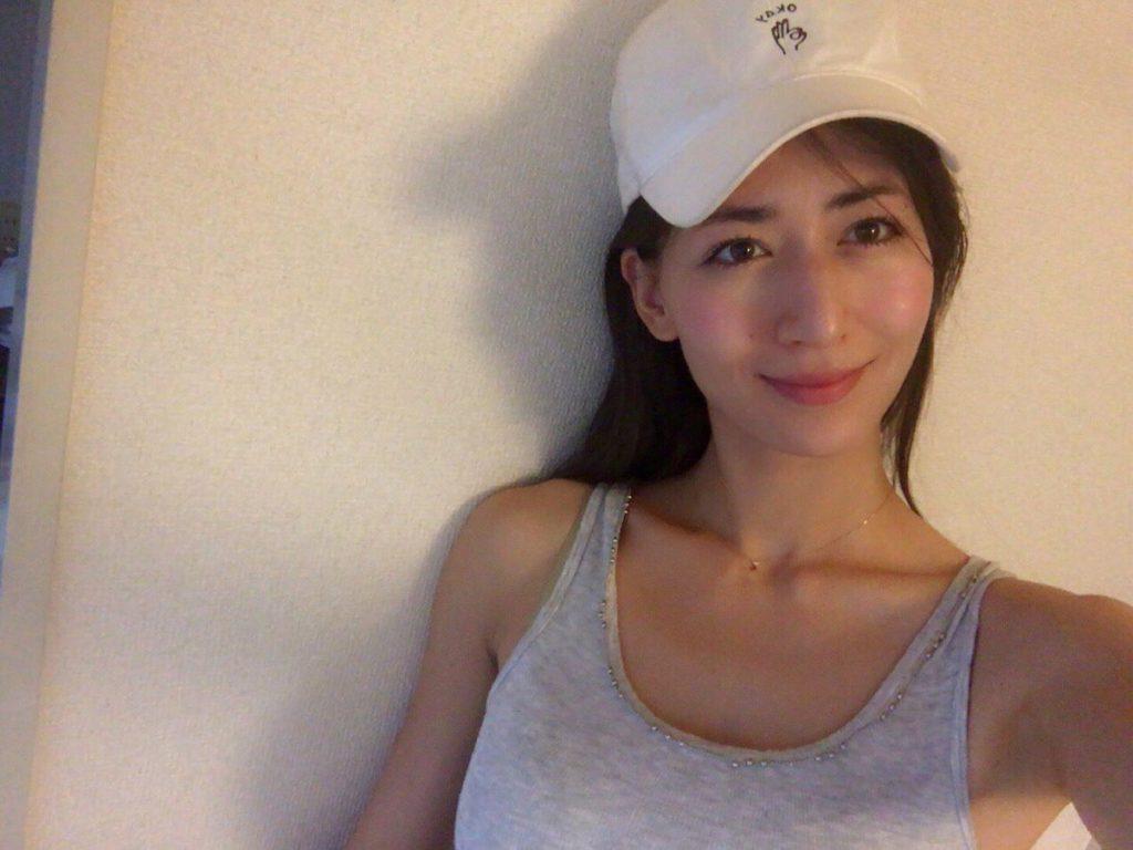 ブレイク必至!宮河マヤ(26)プリケツハーフモデル美女のエロ画像35枚・16枚目の画像