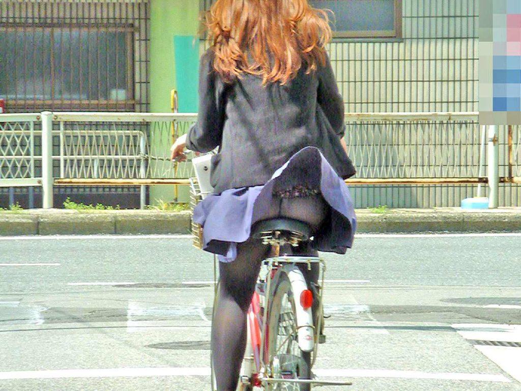 激写!自転車パンチラ盗撮エロ画像30枚・21枚目の画像