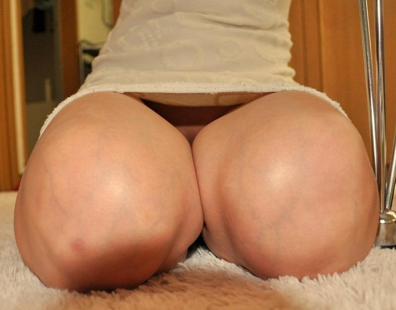 膝枕されたい…!ミニスカ娘の正座パンチラエロ画像30枚・22枚目の画像