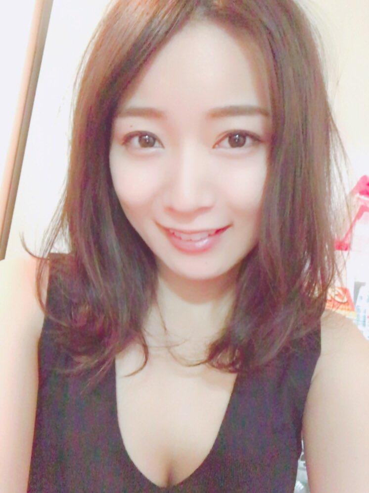 階戸瑠李(28)ヌード間近の透け乳首解禁グラビア画像100枚・100枚目の画像
