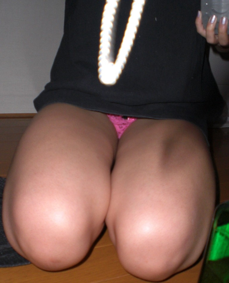 膝枕されたい…!ミニスカ娘の正座パンチラエロ画像30枚・33枚目の画像