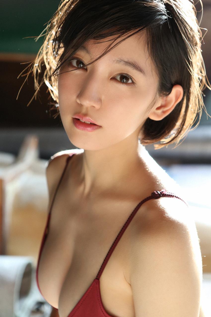 吉岡里帆のドラマ乳首見えハプニング等抜けるエロ画像200枚・190枚目の画像