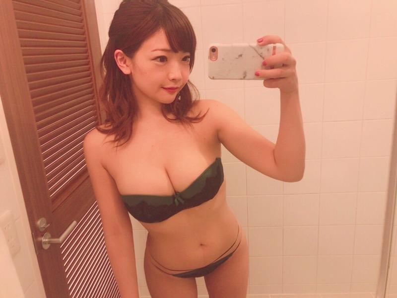 藤田恵名(27)のヌードや下着姿のエロ画像100枚・61枚目の画像