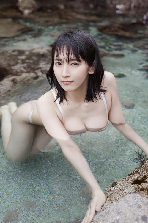 吉岡里帆のドラマ乳首見えハプニング等抜けるエロ画像200枚・209枚目の画像