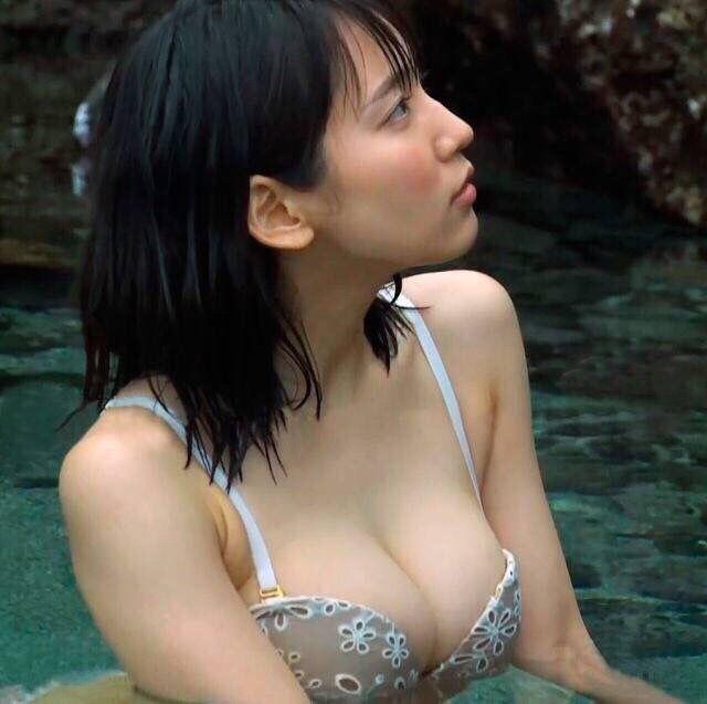 吉岡里帆のドラマ乳首見えハプニング等抜けるエロ画像200枚・231枚目の画像