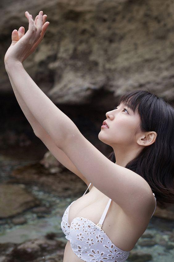 吉岡里帆のドラマ乳首見えハプニング等抜けるエロ画像200枚・236枚目の画像