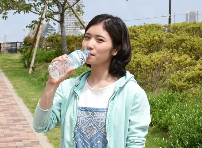 松岡茉優(22)の抜ける入浴エロキャプ画像80枚!水着グラビアが待ち遠しい!・81枚目の画像