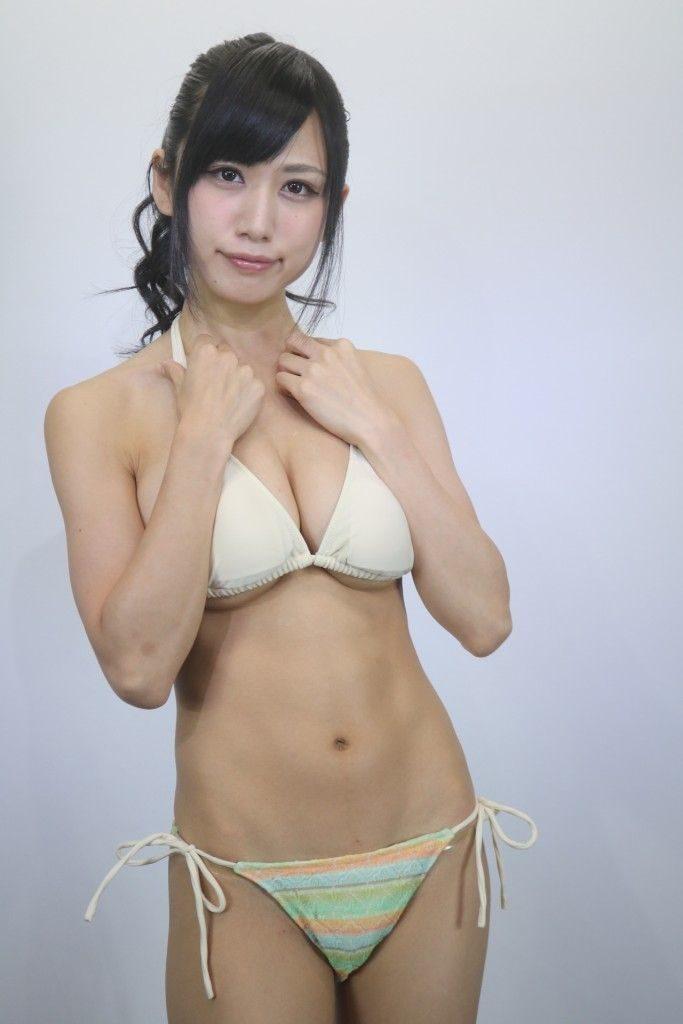 アイドル鈴原優美(23)の変態Gカップ水着姿のエロ画像35枚・7枚目の画像
