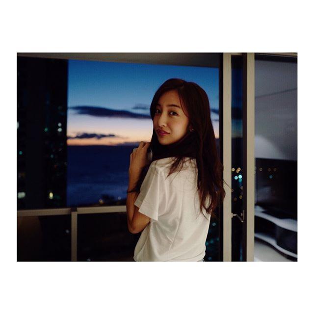 板野友美(26)のヌード間近の変態ハミ尻写真集エロ画像70枚・27枚目の画像