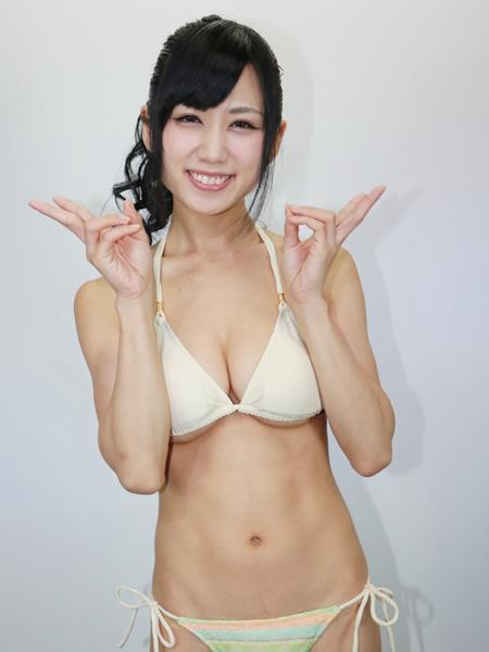 アイドル鈴原優美(23)の変態Gカップ水着姿のエロ画像35枚・9枚目の画像