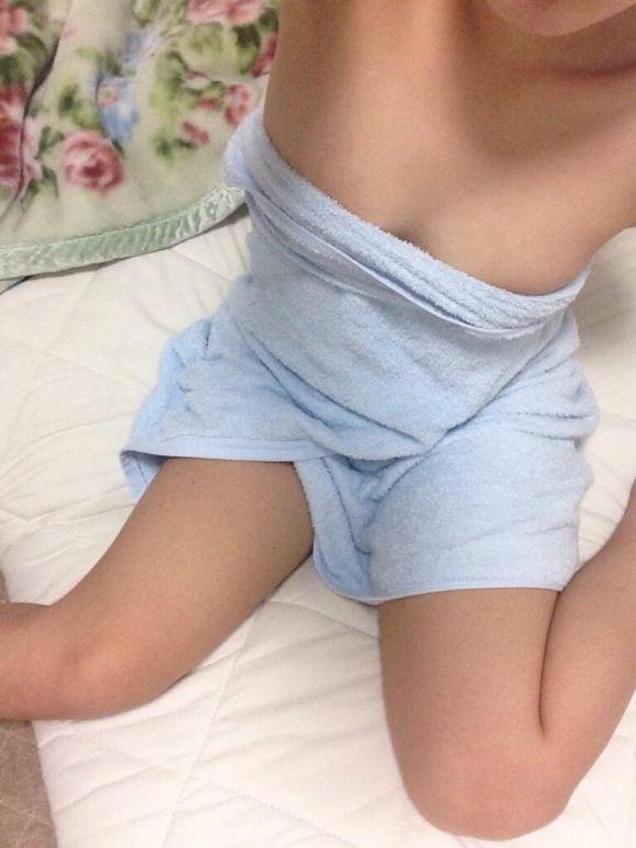 お風呂上がりにエロ写メ自画撮り送ってくるヤリマン娘のエロ画像30枚・13枚目の画像