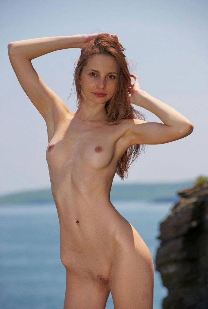 白人美女のパイパンマンコが抜けるヌードエロ画像30枚・13枚目の画像
