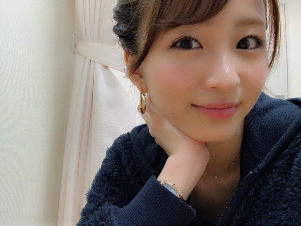 岡崎紗絵(21)のスレンダー美乳ボディが抜ける初水着グラビアエロ画像30枚・22枚目の画像