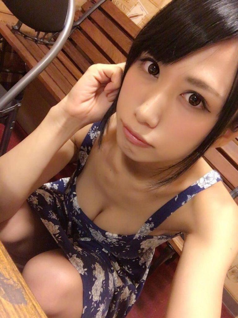 アイドル鈴原優美(23)の変態Gカップ水着姿のエロ画像35枚・24枚目の画像