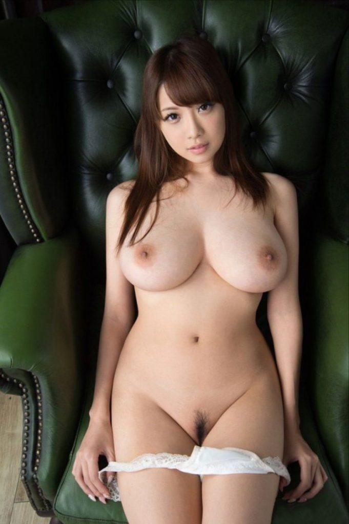 形、大きさ、乳首の色!90点以上の神乳おっぱいエロ画像33枚・29枚目の画像