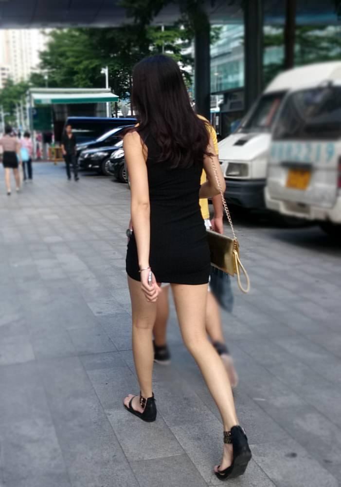 生足露出がエロい中国人素人娘のエロ画像35枚・39枚目の画像