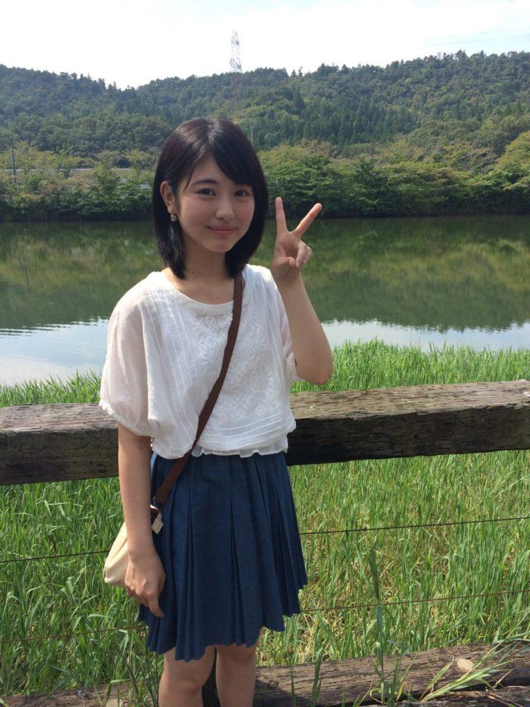 浜辺美波(16)「キミスイ」ヒロイン美少女のぐうカワエロ画像55枚・56枚目の画像