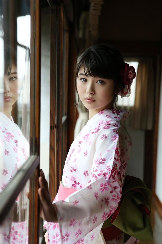 浜辺美波(16)「キミスイ」ヒロイン美少女のぐうカワエロ画像55枚・60枚目の画像