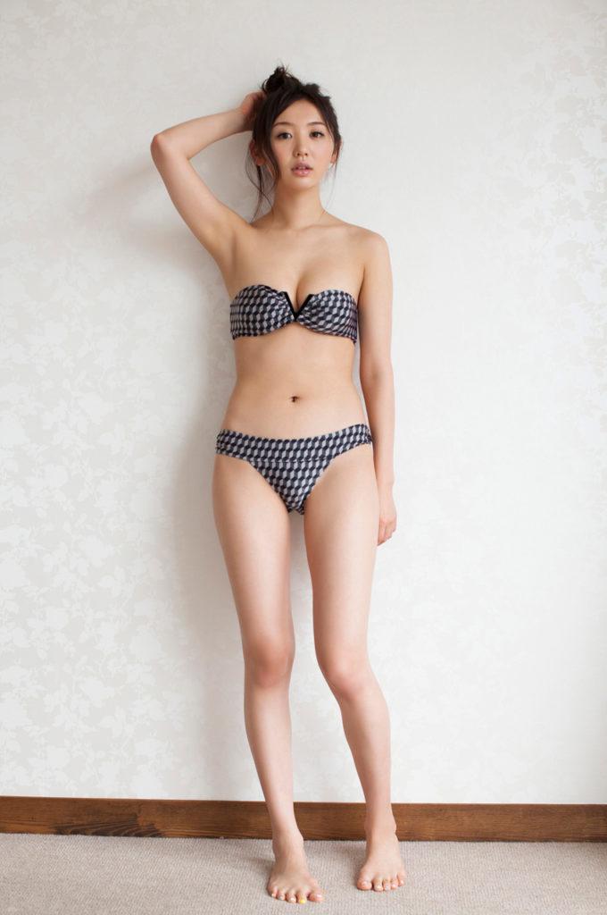 おのののか(26)の最新グラビア&キャバ嬢姿のエロ画像127枚・65枚目の画像