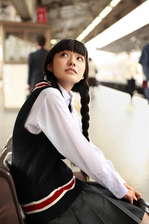 朝ドラひよっこ女優・小島藤子(23)の下着グラビアエロ画像85枚・81枚目の画像