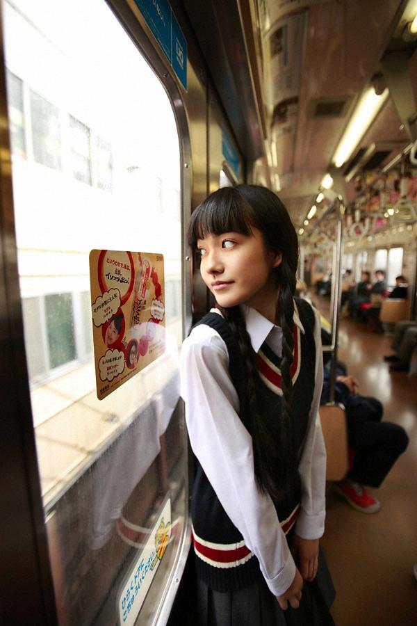 朝ドラひよっこ女優・小島藤子(23)の下着グラビアエロ画像85枚・82枚目の画像
