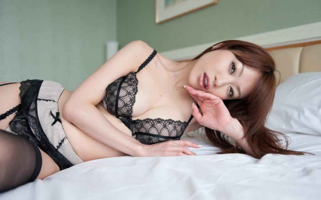 【エロ画像】SEX専用みたいな過激下着姿のえろ画像30枚