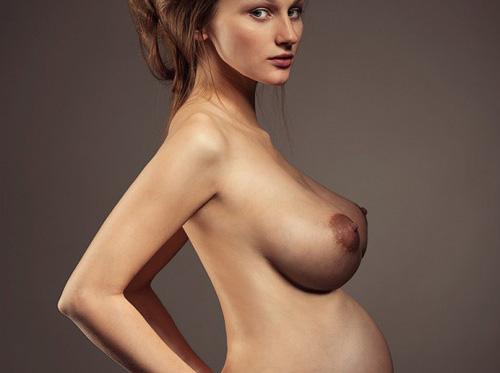 マタニティヌードも様になる外国人美女のエロ画像30枚・1枚目の画像
