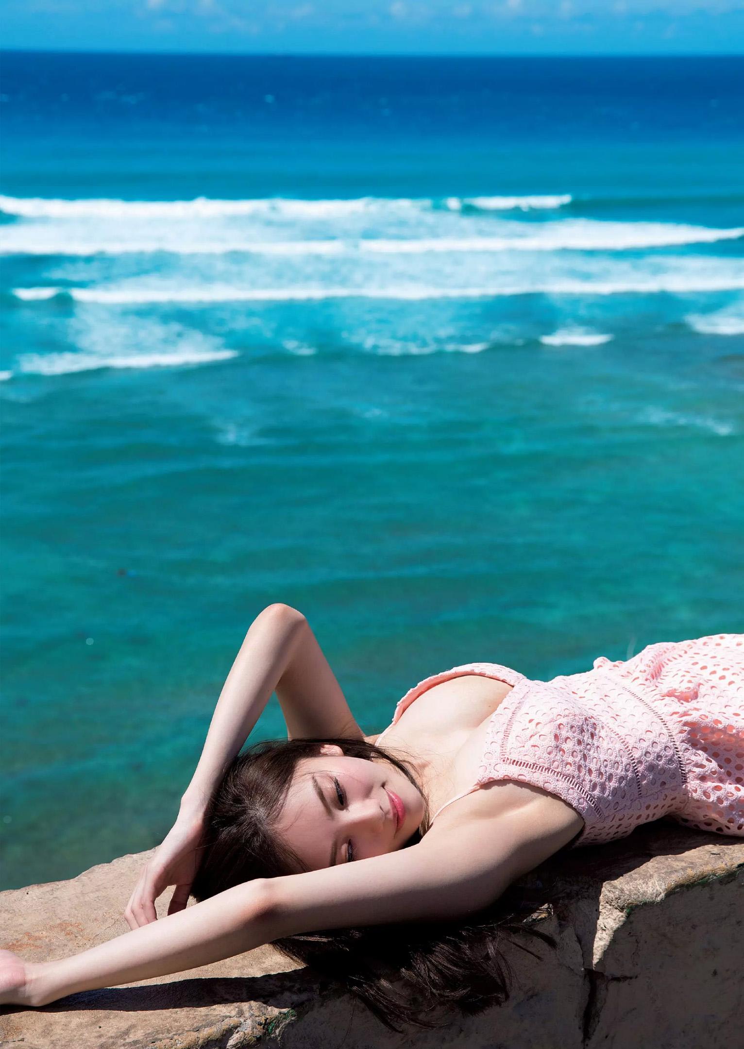 伊東紗冶子(23)Gカップキャスターの水着グラビア画像116枚・79枚目の画像