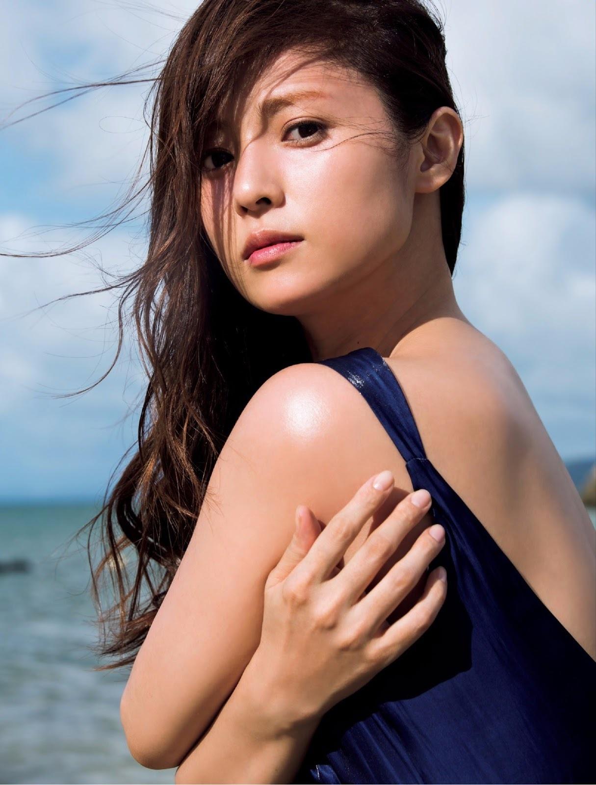 深田恭子(35)のアイコラヌード&写真集水着グラビアエロ画像98枚・70枚目の画像